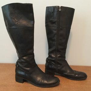 Etienne Aigner E-Costa Black Leather Boots zip up